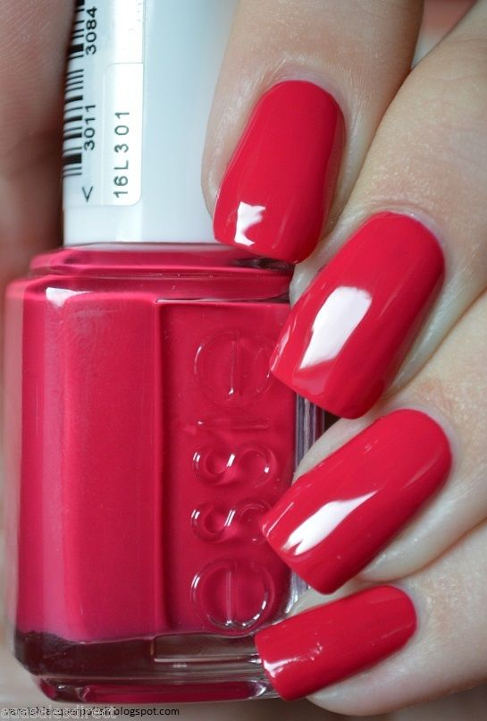 Essie-Nail-Polish-Lacquer-Haute-In-The-Heat-hs2343-301869123951-2